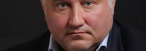 К жене Калашникова пришли с обыском – СМИ