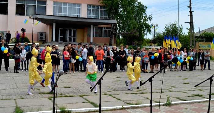 Украинский фестиваль состоялся в 800 метрах от террористов (ФОТО)