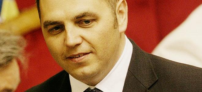 Портнов погрожує конфіскувати активи Порошенка