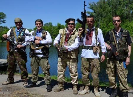Военнослужащие Львова на передовой отпраздновали День вышиванки (ФОТО)