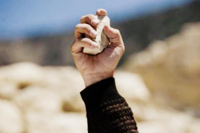 """""""ДідиВоювали"""": діти помилково закидали камінням ветерана"""