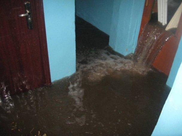 Міську лікарню Червонограда затопило (ВІДЕО)
