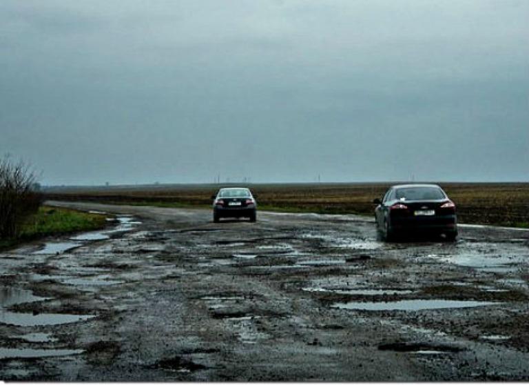 Министр инфраструктуры признался, за какие деньги будут ремонтировать дороги