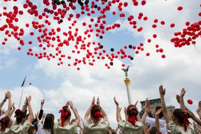 Пам'ять за загиблими у Другій світовій вшанували на Майдані Незалежності (ФОТО)