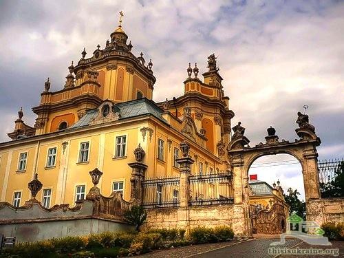 Сегодня три львовские храмы отмечают престольный праздник