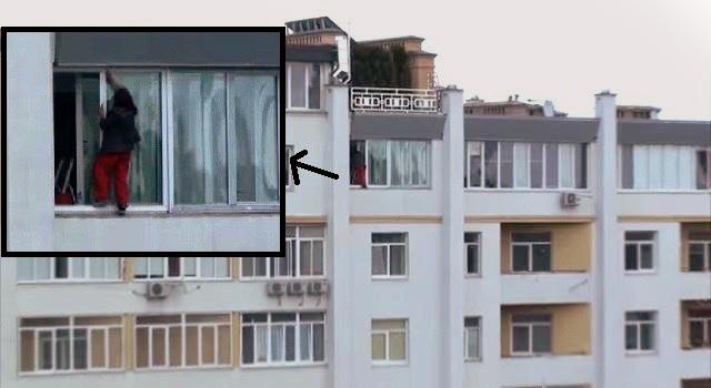 Львівська мийниця вікон шокувала своєю безстрашністю (ВІДЕО)
