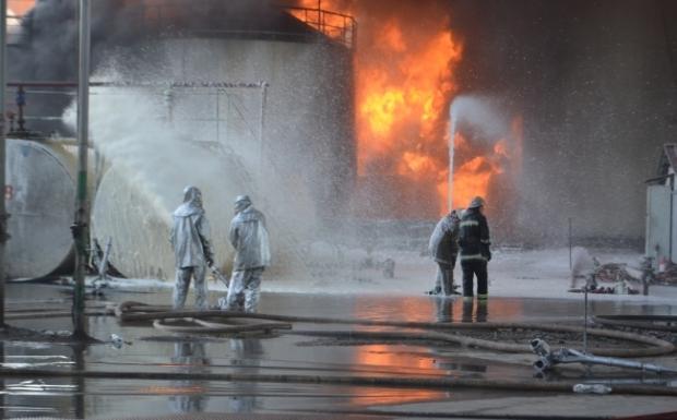 В ГСЧС подтвердили возобновление пожара на нефтебазе под Киевом и назвали причины