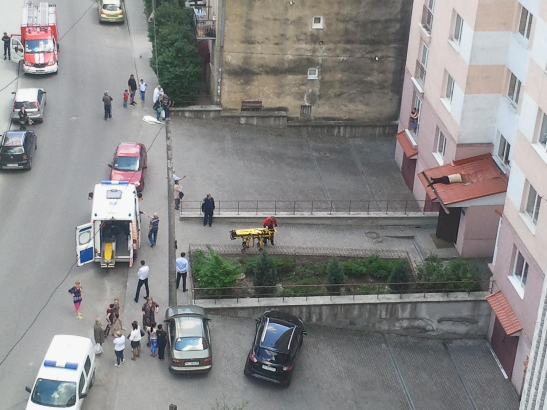 Львів'янка після кількох днів молитви вистрибнула з дев'ятого поверху