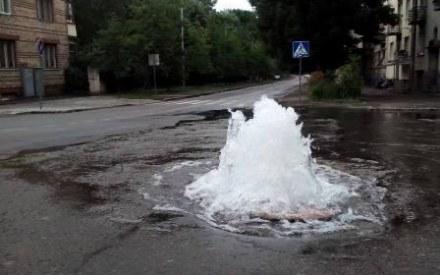 Улицу Генерала Чупринки затопило