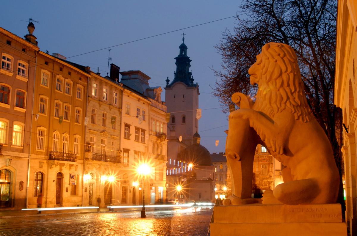 Во Львове создали комиссию по принятию в коммунальную собственность участка, где будет Польский дом