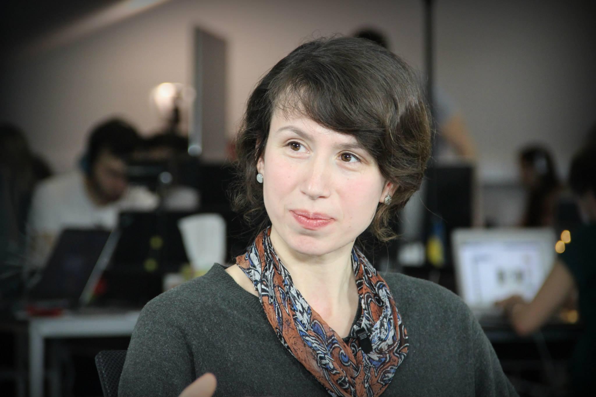 Депутат Чорновол увірвалася в приміщення компанії і ледь не побила секретарку (ВІДЕО)