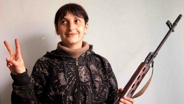 Жінка-бойовик вихвалялася іноземним журналістам, як вбивала українців (фото)