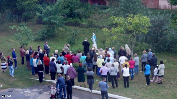 На Львівщині люди молились до Богоматері і просили припинення кровопролиття