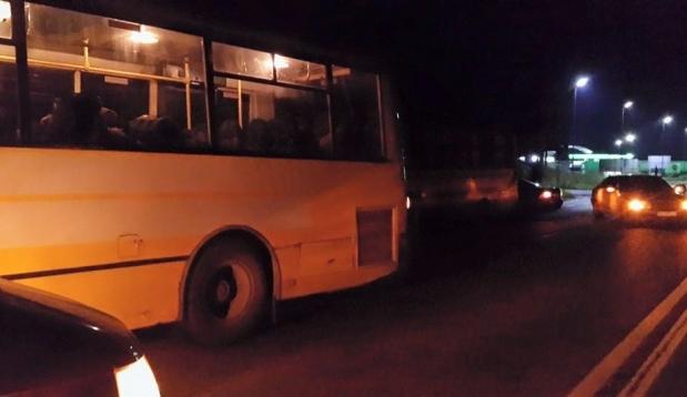 Вночі на Львівщині затримали п'яних бійців «Правого сектору», які не могли визначитись, куди вони їдуть…