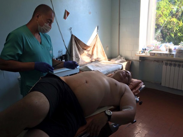 Пораненого Булатова привезли до Києва (ФОТО)