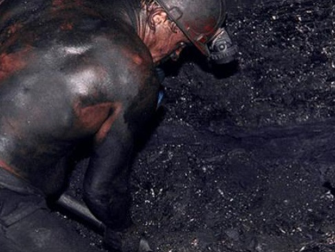 На Волыни шахтеры из-за задолженности по зарплате начали забастовку