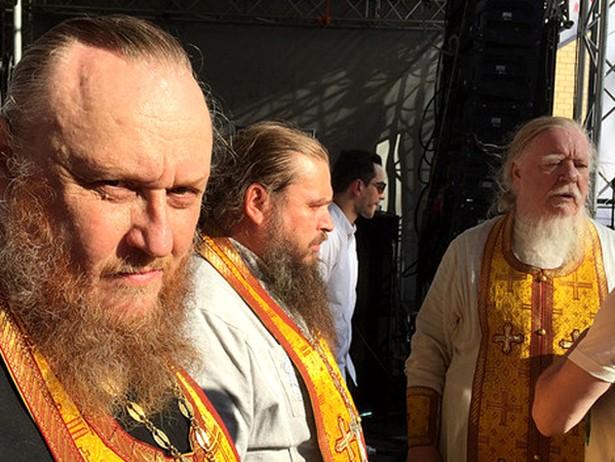 Як московські попи з натовпом бабусь влаштували погром на концерті (ФОТО, ВІДЕО)