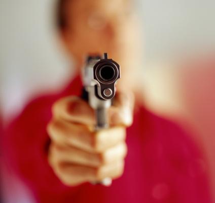 В Полтавской области грабитель открыл стрельбу по полицейским