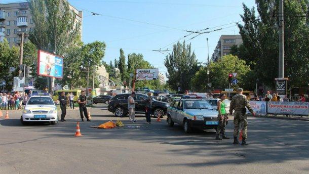 ДТП у Миколаєві: маршрутка влетіла у натовп людей. Загинула дівчина (ВІДЕО)
