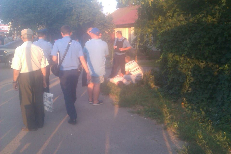 У Львові зі стрільбою затримали трьох грабіжників, які напали на валютно обмінник (фото)