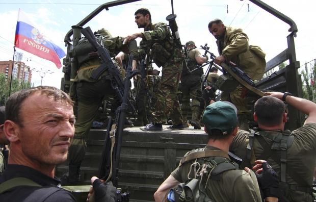 """Терористи """"мобілізують"""" мешканців Донбасу під загрозою розстрілів"""
