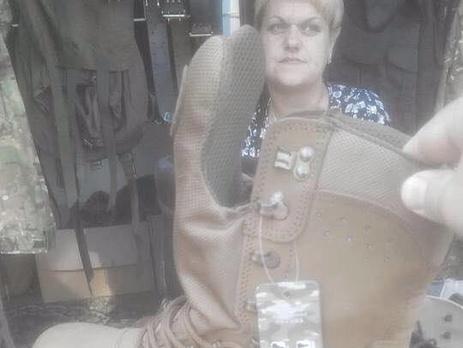 Військовослужбовця, який продав на львівському базарі нові берці ЗСУ відрахують або посадять