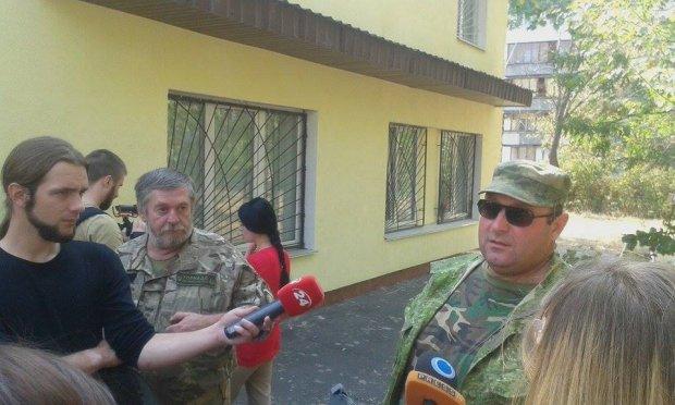 Бійці-іноземці вимагають статусу громадян України