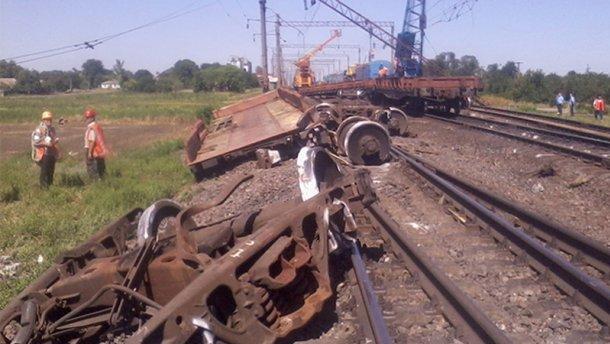 В Николаевской области перевернулся поезд (фото)