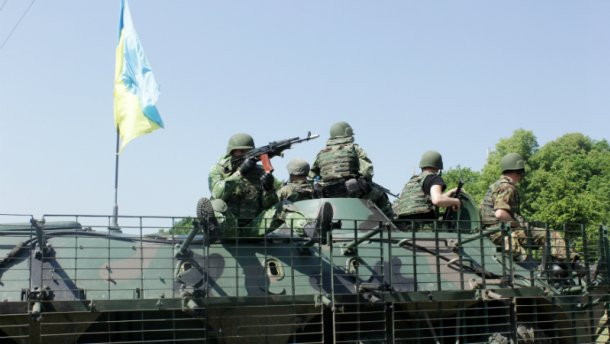 Боевики возобновили мощный обстрел возле Старогнатовки