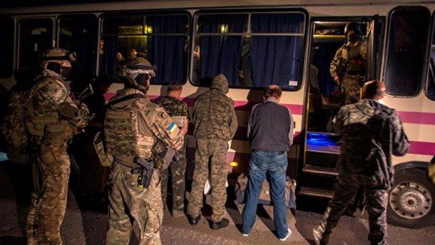 Украина выдала террористам 12 пленных