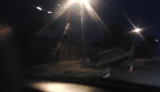 Вночі у  Львові перекинувся автомобіль поліцейських (ФОТО)
