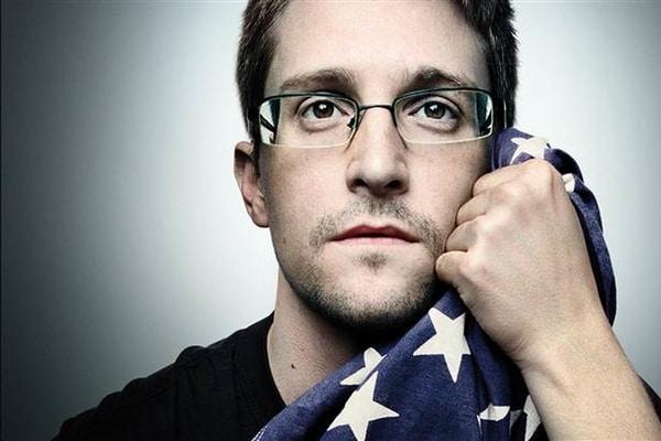 Сноуден в шоці від путінської Росії та мріє покинути країну