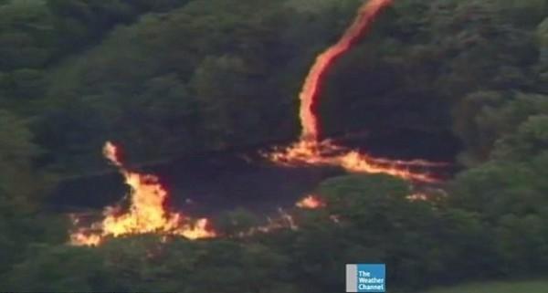 У США вогняний торнадо знищив три мільйони літрів алкоголю (відео)