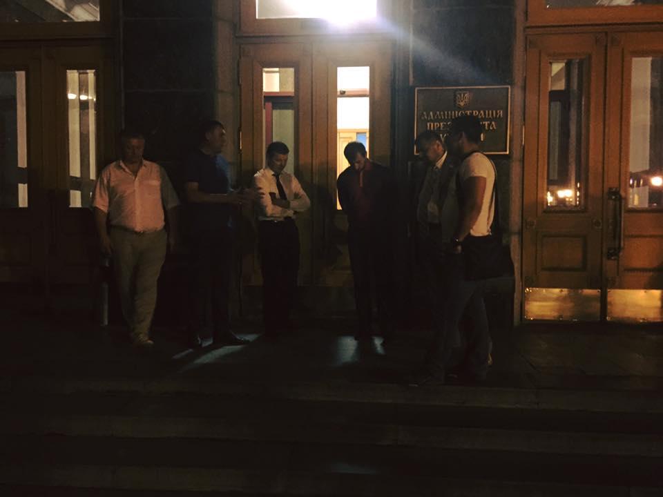 У нічній бійці під АП розбиратиметься регламентний комітет, – Гройсман