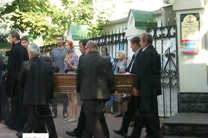 Сина Ганни Герман відспівали в Іллінській церкві у Києві  (ВІДЕО)