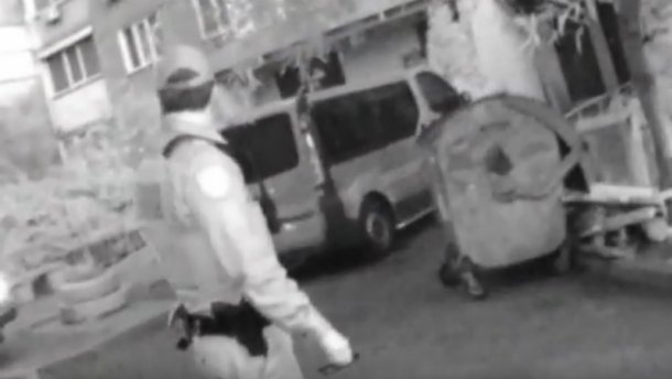 """Полісмени у столиці затримали """"Діда Мороза"""" (Відео 18+)"""