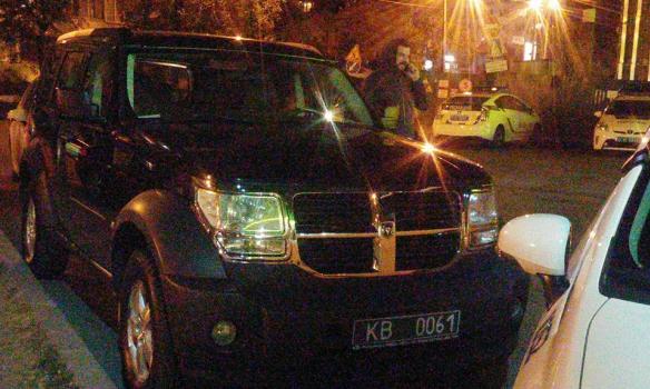 """Поліція зупинила сина нардепа Корчинської на """"позашляховику"""", який числиться в розшуку (Фото)"""