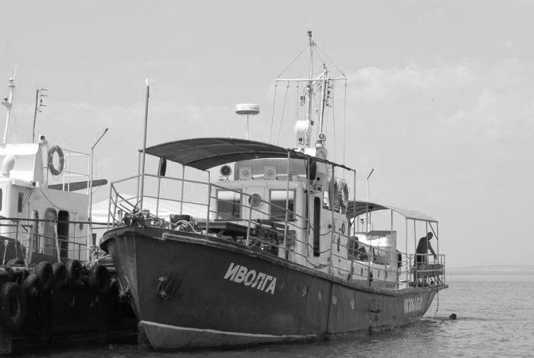 """В заливе продолжаются поиски еще одного пассажира затонувшего катера """"Иволга"""", – прокуратура"""