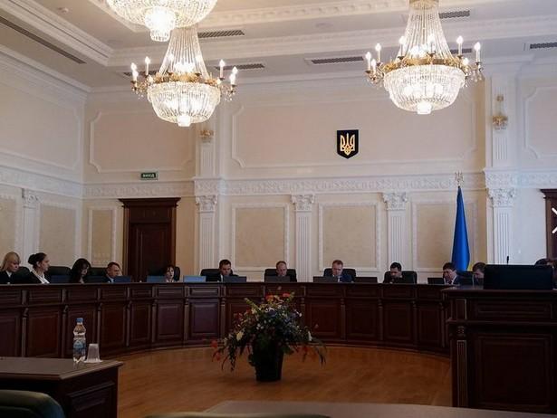 Впервые в Украине уволили судью, который запроторював за решетку евромайдановцев