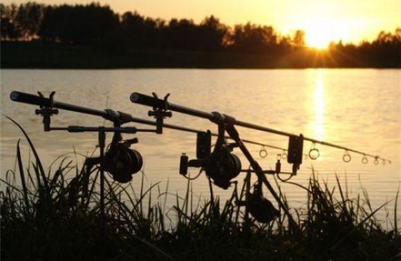 Під час риболовлі на озері «Молодіжне» втопився львів'янин
