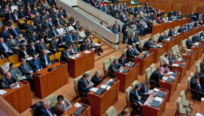 Депутати Полтавської облради влаштували масову бійку (ВІДЕО)