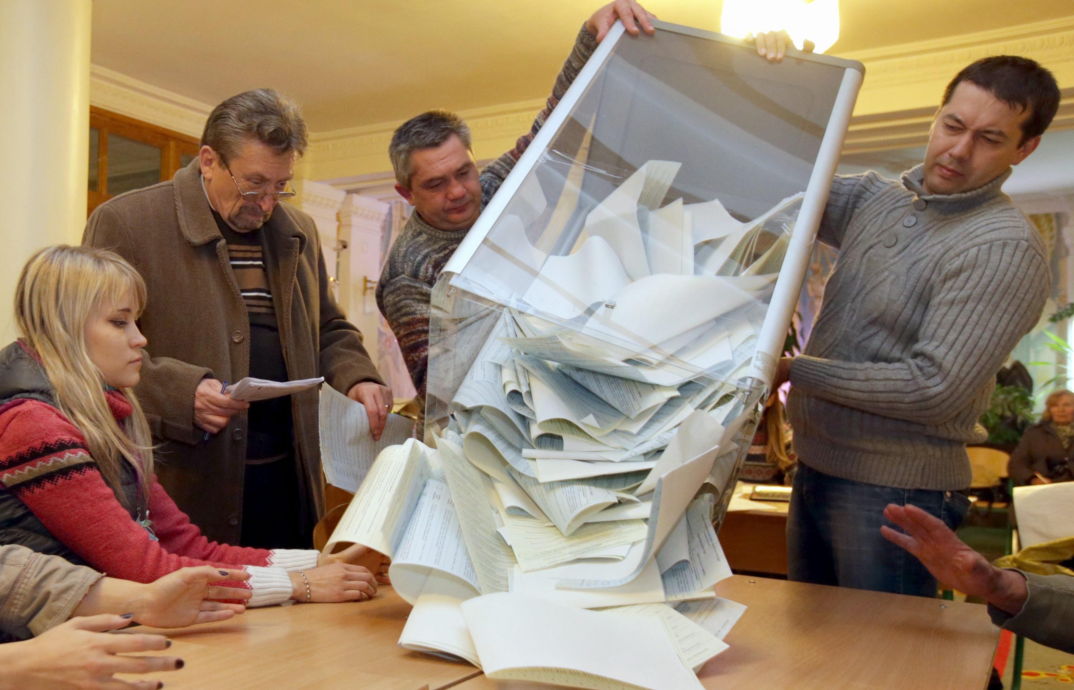 """Поліція зареєструвала 4 повідомлення про порушення """"дня тиші"""" в Житомирі"""