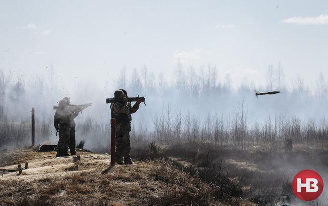 Бойовики зосередили техніку уздовж лінії розмежування і розпускають чутки про наступ української армії