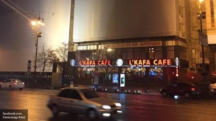 Місце, де вмирали люди під час Євромайдану, перетворили на караоке-бар