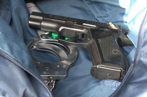 Милиция задержала в Киеве автомобиль с оружием (фото, видео)