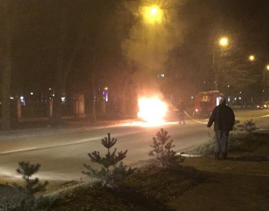 У Львові згоріла автівка
