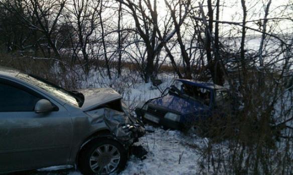 Поблизу Красноармійська в ДТП за участю поліцейського загинули двоє людей