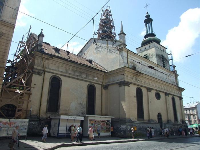 У Львові намагалися вкрасти мідний дах музею Пінзеля