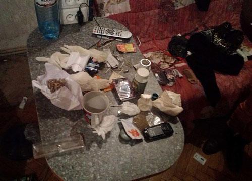 У центрі Львова поліція виявила наркопритон (ФОТО)