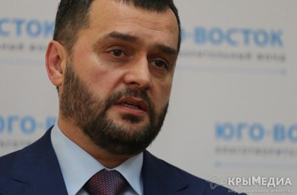Экс-министр МВД Захарченко работает в России в комитете Госдумы